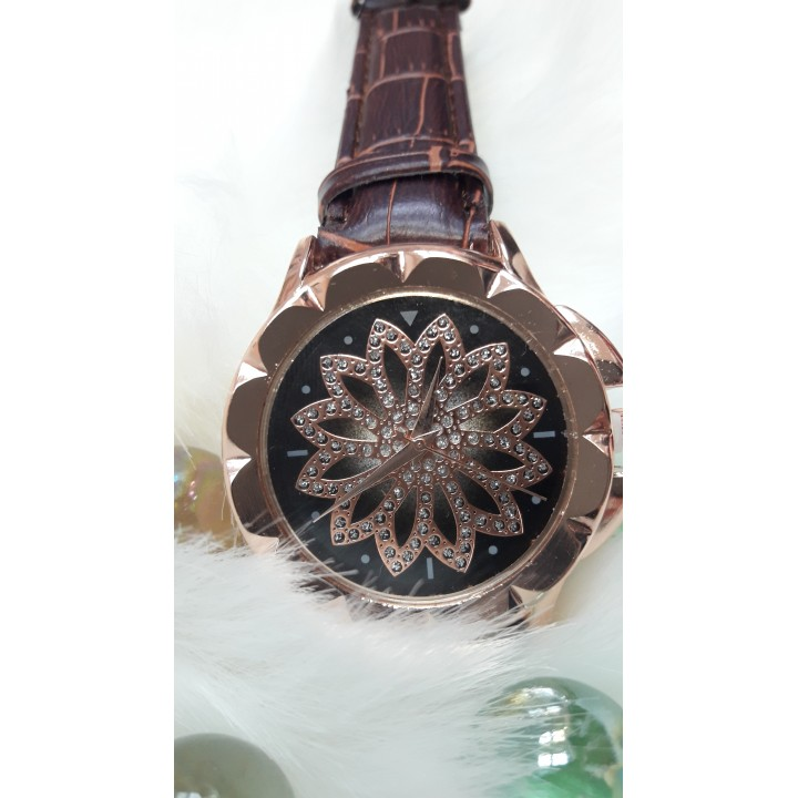 Купить Женские часы Jbali Yazole Коричневый ремешок